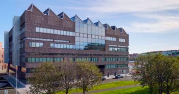 Bild på Lindholmens gymnasium