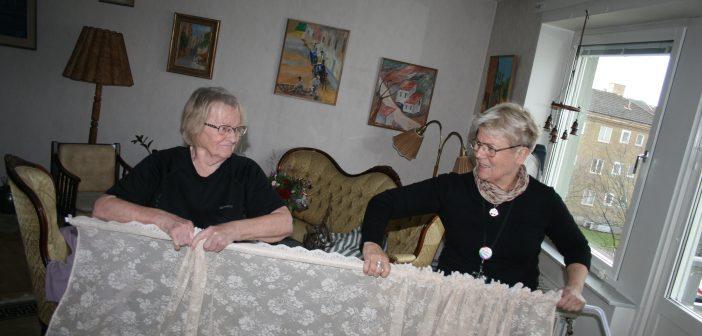 Gunilla fixar en säkrare hemmiljö för äldre